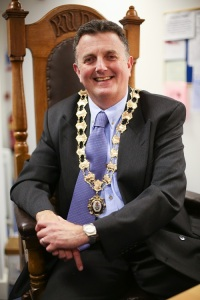 Mayor Neil (small)